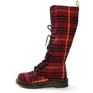 NEW Dr. Marten's Sheena Boot USS7